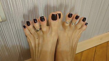 Spreading and Wiggling Long sexy Toes with toerings - OlgaNovem