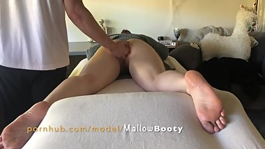 Mallowbooty's happy ending: Wife's massage turns into a finger fuck and ends with a WET cream pie